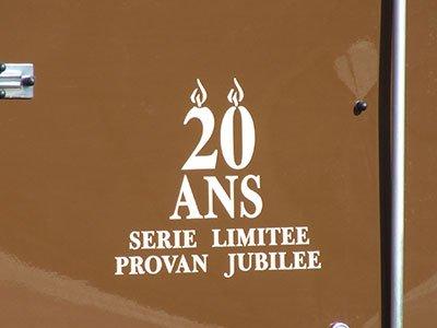 Logo personnalisé 300x600 mm (livré prêt à poser